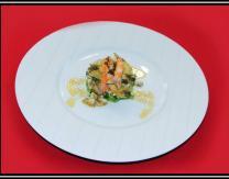 Ensalada templada de shiitake, alcachofa y langostinos, plato de Beatriz Ezquerro Diez