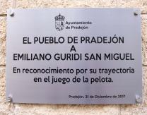 Placa en honor a Emiliano Guridi, en reconocimiento por su trayectoria en el juego de la pelota