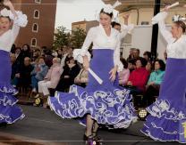 Muestra de trajes regionales amenizado por Ballet Embrujo