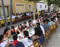 Comida popular ofrecida por la Peña Unión 76