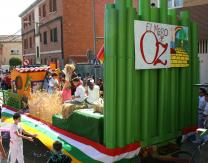 Carroza sobre Mago de Oz, realizada por los Reyes Infantiles